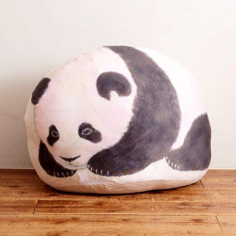 【新刊情報】本物みたいな子パンダと寝られる 大きく膨らむクッション収納ケースBOOK発売